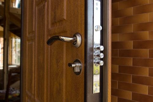 lever lock door